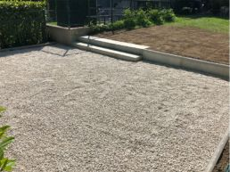 Gartensitzplatz mit Schotter